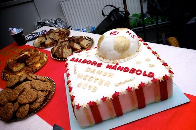Et medlem havde lavet denne flotte kage til vores afslutningsfest. Den smagte OGSÅ godt!